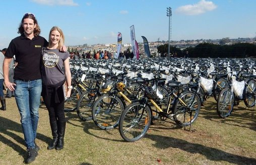 Qhubeka Distribution Day – 350 bicycles to help mobilise people in Alexandra